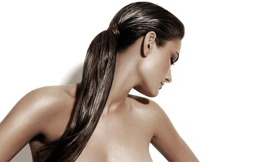 Чем полезна сметана для волос?