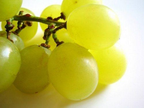 Масло виноградных косточек для лица: как использовать?