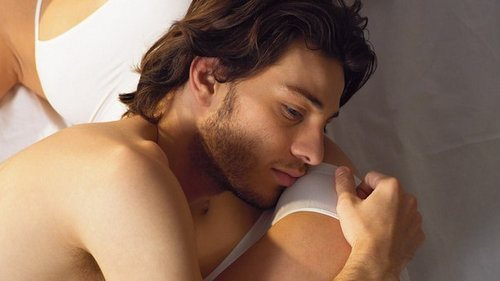 При возбуждении бес секса парни кончаются