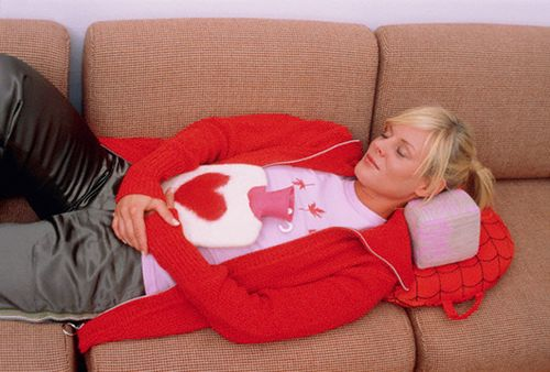 Сильные боли при месячных – причины, как уменьшить боли при менструации