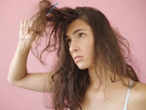 Как расчесать путанные волосами