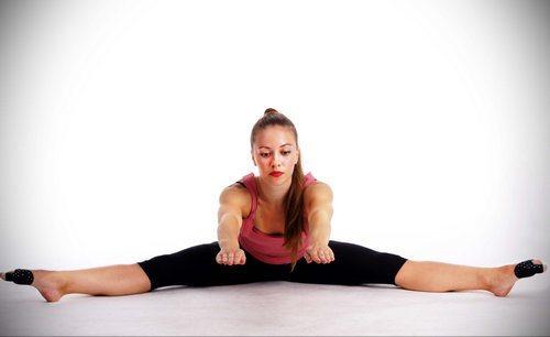 stretching_kompleks_uprazhnenij_na_rastyazhku-4