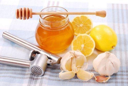 chesnok_med_i_limon_dlya_chistki_sosudov_recept_nastoya-3