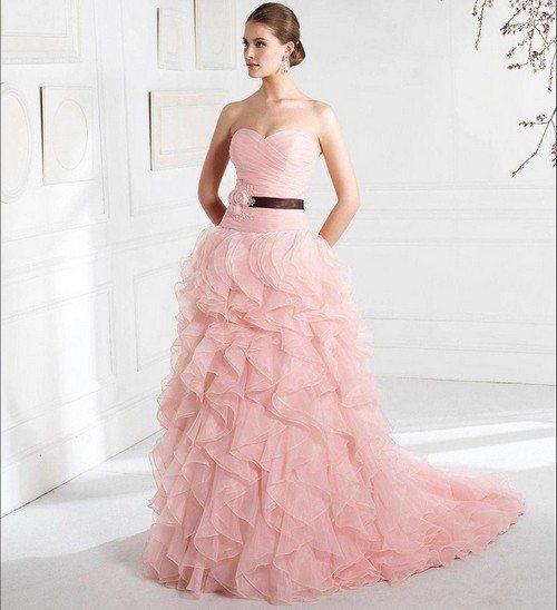 платье с поясом из атласной ленты