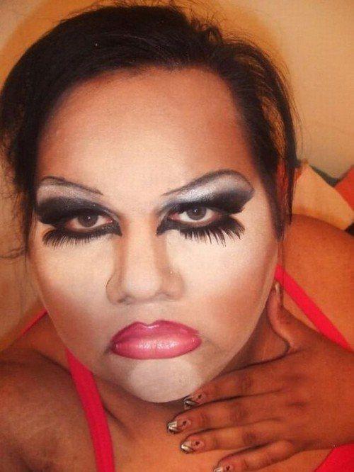 Перебор с макияжем