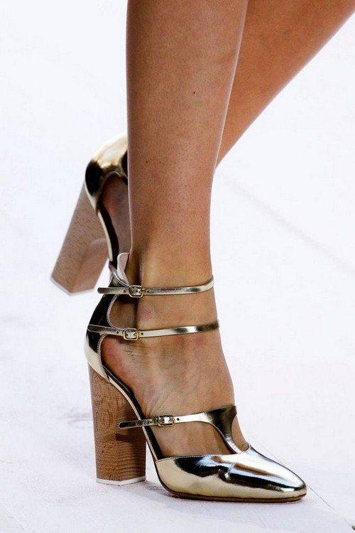 Изящная обувь в стиле Мэри Джейн