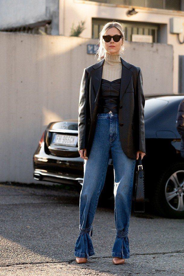 джинсы со шнуровкой