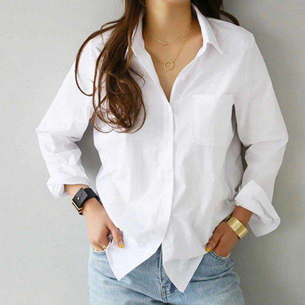 белая рубашка с V-образным вырезом