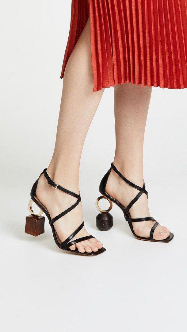 обувь с нестандартными каблуками